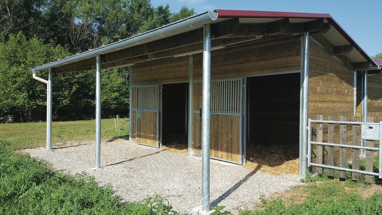 Boxes ext rieurs chevaux toit 1 pente doitrand equestre - Porte de box pour chevaux a vendre ...